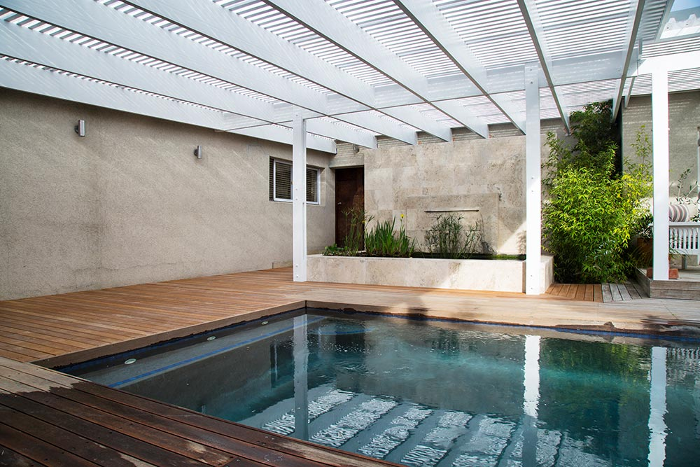 Decking and pergola project for a client in hout bay - Hout pergola dekking ...