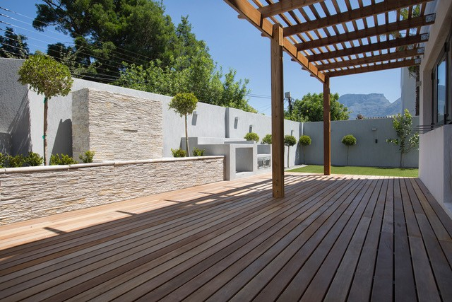 The Oval: Decking project in cape town