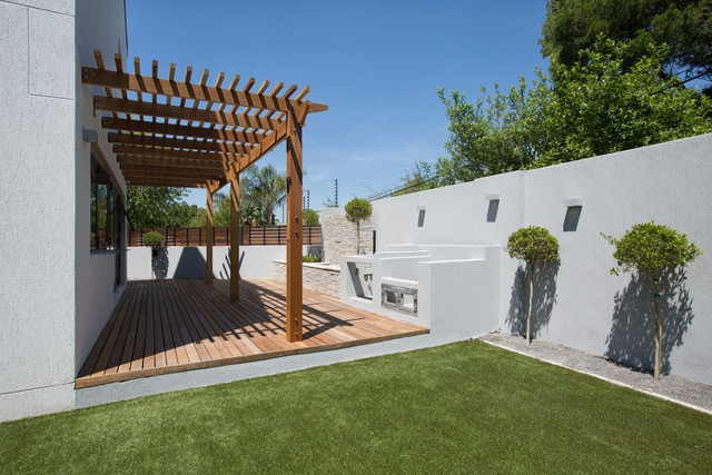The Oval: Decking & pergola project in cape town